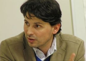Roberto Parra defiende su actuación