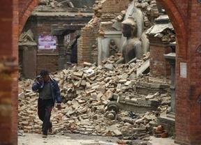 El trágico terremoto de Nepal deja ya más de 4.000 muertos