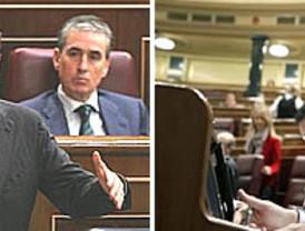 Zapatero evita responder a Rajoy si habrá más recortes sociales