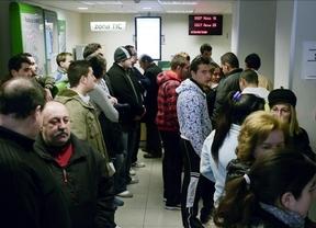 Un 30% de los españoles ganó menos de 1.217,4 euros brutos al mes el año pasado