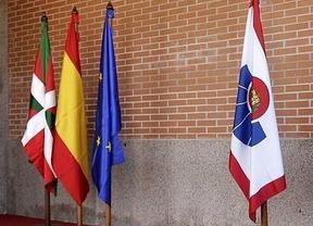 La bandera española desaparece de las comisarías vascas
