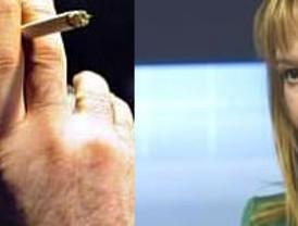 Pajín echa más leña al 'humo' animando a denunciar a quienes incumplan la ley anti-tabaco