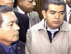 Sin la fe de vida de Ingrid Betancourt llega Chávez a París