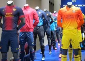 El Barça presenta oficialmente su camiseta rompedora para 2012/2013: sin rayas