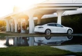 BMW podría empezar a colaborar con Tesla
