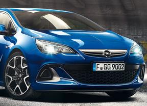 Opel celebra el decimoquinto aniversario del lanzamiento de su primer deportivo OPC