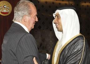El Rey defiende en Emiratos que la economía española crece de nuevo y crea empleos