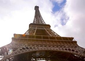 La Torre Eiffel celebra sus 126 años