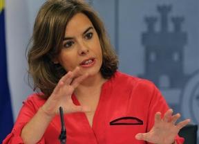 Sáenz de Santamaría dice que los impuestos se han rebajado