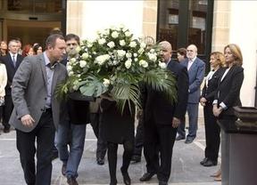 El 'líder' de Bildu se suma por primera vez a un homenaje a las víctimas de ETA