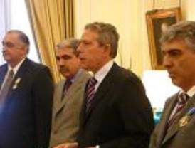 Orden del Mérito Civil para Albornoz y Mármol