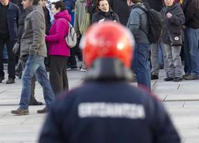 ...pero el Gobierno vasco se resiste a dar la orden a la Ertzaintza