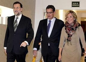 Esperanza Aguirre se mofa de las 'teorías conspiranoicas' sobre sus 'gritos a Rajoy'
