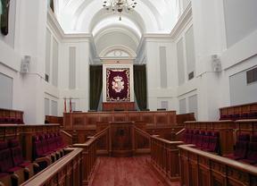 Las Cortes debaten hoy los Presupuestos Regionales para 2012