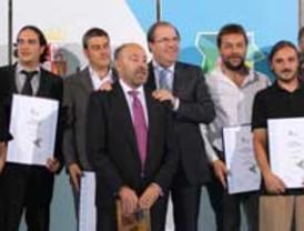 Álvaro Melcón y Lourdes Matilla, de Onda Cero, ganadores del Francisco de Cossío a la Mejor Labor Profesional 2011