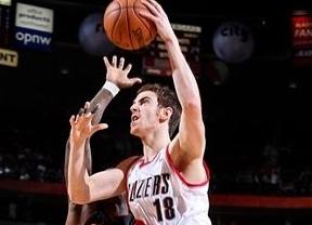 Claver debuta en la NBA y sus Blazers se imponen a los Raptors de Calderón