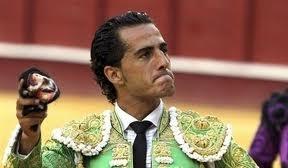 Iván Fandiño, el más artista de los matadores en la Feria de San Isidro, gana el Trofeo Maná