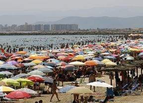 El 67% de los españoles gasta menos en vacaciones debido a la crisis económica