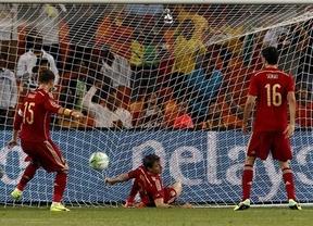 Una España pasota y mansa regala el triunfo a una Sudáfrica brava y luchadora (1-0)