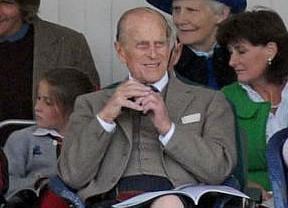 El marido de la Reina Isabel II, pillado con sus genitales al aire