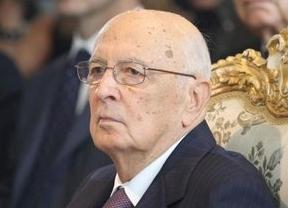 Napolitano estudia la continuidad del Gobierno tras la renuncia de los ministros de Berlusconi