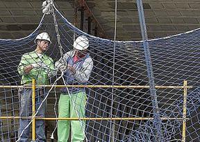 Los españoles trabajan más horas que los alemanes y los franceses