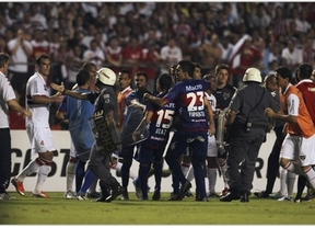 Polémica en la final de la Copa Sudamericana: el Sao Paulo, campeón por la retirada del rival al descanso