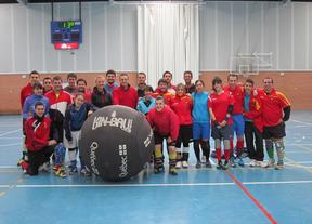 La Selección Española de Kin Ball prepara el Mundial en Villacañas (Toledo)