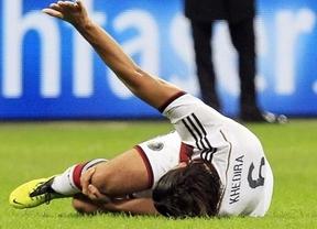 El 'virus FIFA' ataca fuerte a Khedira: el centrocampista del Madrid se lesiona gravemente para seis meses con Alemania