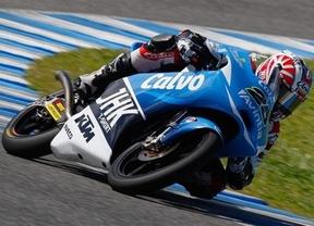 Viñales (KTM) consigue su primer triunfo por delante de Salom tras una bandera roja