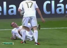 La nueva agresión loca de Pepe fue a... ¡Arbeloa!