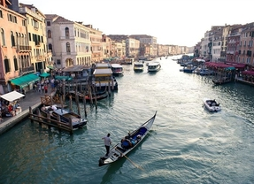 Un bar de Venecia cobra 42 euros por... ¡acompañamiento musical!