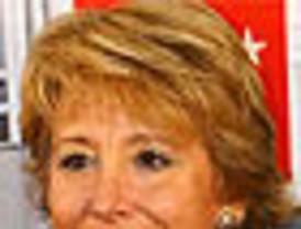 Los seguidores de Aguirre se vuelcan con ella en Facebook