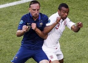 Francia consigue igualar a Inglaterra, pero decepciona Benzema (1-1)