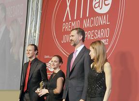 El Premio al Joven Empresario 2014, para Alicia Asín y David Gascón (Libelium), galardonados ante el Príncipe