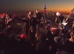 U2, en directo desde las alturas de un rascacielos neoyorquino