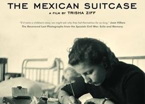 La maleta mexicana lleva 4.000 negativos, un mar de fotografías