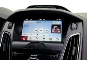 Ford apuesta por BlackBerry como sistema operativo de sus coches