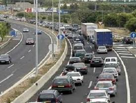 Retenciones de siete kilómetros a la salida de la Universidad, sentido Albacete por avería de unos vehículos