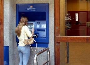 Cientos de tinerfeños sacan dinero de los cajeros pensando que no quedaba registrado