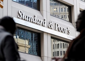 Standard & Poor's no lo ve tan bien como Rajoy: confirma el 'rating' de España con perspectiva 'negativa'