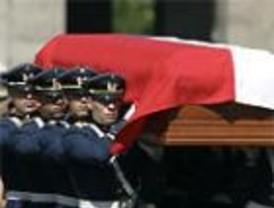 Aplausos y abucheos en el funeral de Pinochet