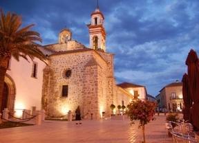 El Alcázar de los Reyes Católicos (Córdoba) se engalana para recibir el lunes la iniciativa 'Emprendedores 2020'