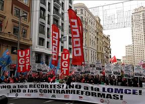 Una marea verde contra Wert: miles de personas piden el cese del ministro y acabar con recortes educativos