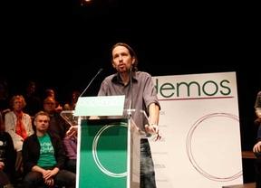 El termómetro de la campaña (3): Entre logotipos personalistas y rotos al PSOE anda la precampaña