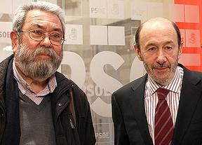El PSOE sale en defensa de su hermanado sindicato: UGT es víctima de una campaña de acoso y derribo