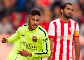 Fácil para el Barça ante un Almería, que estrena en el banquillo al exazulgrana Barjuan