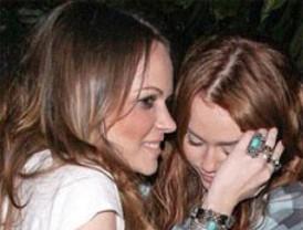 Miley Cyrus aparece ebria en unas fotografías