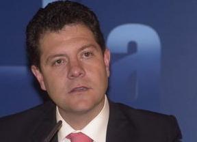 García-Page también la lía con el machismo: 'No pienso que Cospedal sepa pasar la aspiradora'
