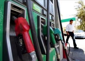 El céntimo sanitario sobre los combustibles pende de un hilo, pero... lo recaudado, recaudado está